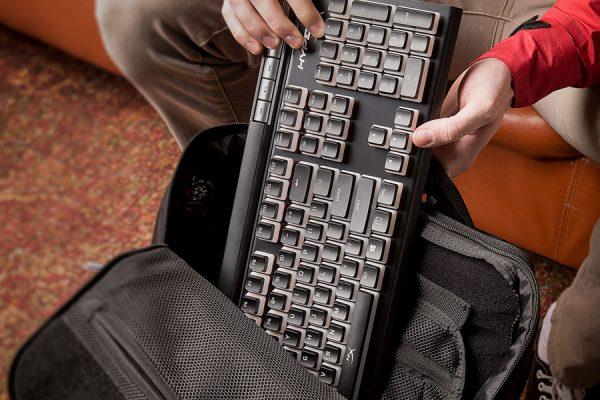 APT-ESUB_Keyboard-Unpacked_900x1200
