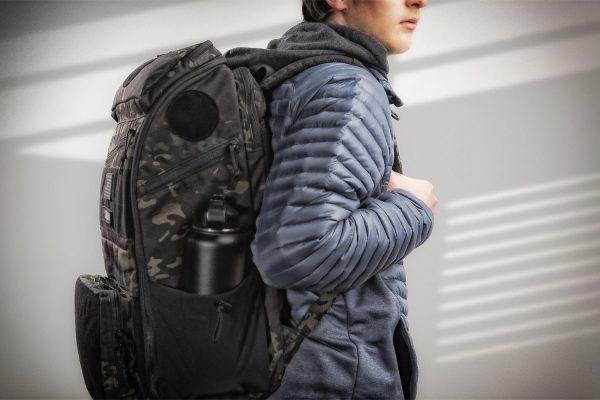 APT-5043-MCB_ESUB-Pack_Over-Shoulders_1500x1000